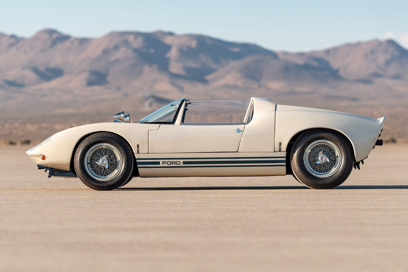 1965-ford-gt40-roadster-prototype-auction-2.jpg